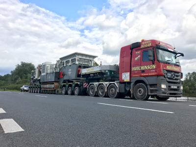 Der mobile Steinbrecher auf dem Weg in die West Midlands. Foto: Goldhhofer
