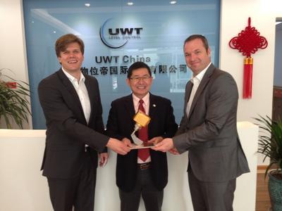 Golden Rotonivo for UWT China Director Teoh Seng Guan für seine...
