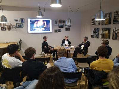Rund 20 Teilnehmer hatten die Chance, dem DFB-Interimspräsidenten Dr. Rainer Koch Fragen rund um das Thema Fußball zu stellen.
