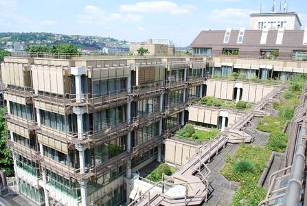 FBB- und Opti-Gründach des Jahres 2014: Dachbegrünung auf verschiedenen Ebenen, Quelle: Optigrün