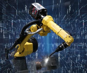 Die Automatisierung wird auch in der Schweißproduktion immer wichtiger. EWM liefert dafür hochwertige Komponenten wie Stromquellen, Roboterdrahtvorschubgeräte und Schweißbrenner zum automatisierten Schweißen