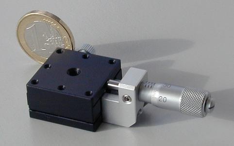 Kleine Lineartisch mit einer Tischgröße von 25x25 mm