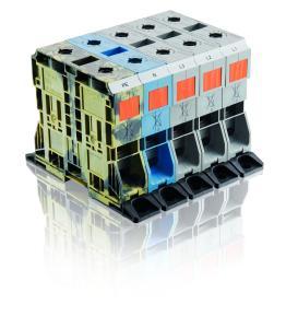 Die POWER CAGE CLAMP mit Flansch ermöglicht die sichere und einfache Installation auf Montageplatten