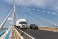 In der neuen Version des Tourenplanungs- und Dispositionssystems TRAMPAS von Städtler-Logistik können Lkw-Restriktionen wie maximale Durchfahrtshöhe berücksichtigt werden. (Bildquelle: T.W. van Urk/shutterstock.com)