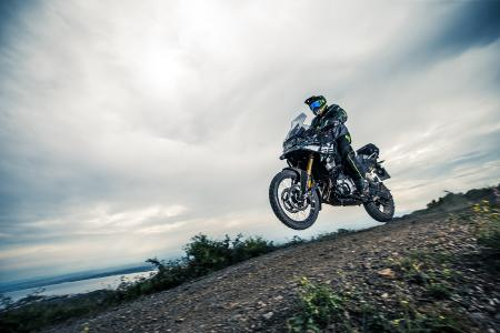 Maximum driving pleasure with the BMW F 750 GS (left) and with the BMW F 850 GS (right) in the offroad tracks ...