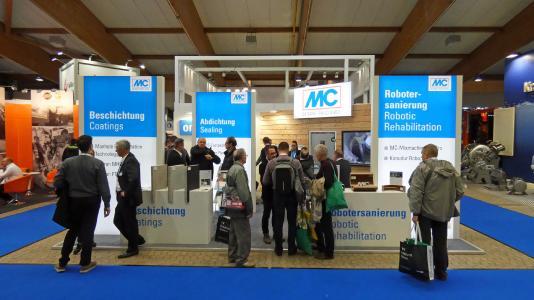 Fachbesucher der RO-KA-TECH in Kassel zeigten reges Interesse am Stand der MC-Bauchemie, an dem der Fachbereich ombran – Underground Sewer Systems der MC wieder neue Systeme zur Instandsetzung und zum Schutz von unterirdischen Abwasserbauwerken präsentierte