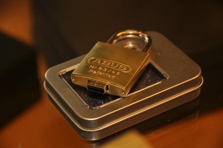 Der USB-Stick im Schloss: starke Werbewirkung und hoher Wiedererkennungswert