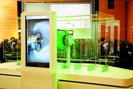 Der neue RadiPac wurde strömungstechnisch optimiert. Das Model veranschaulicht die Luftführung in einem RLT-Gerät.