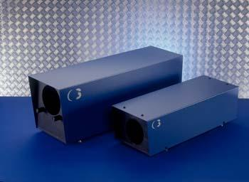 Laser beam expanders for unobstructed output and highly efficient transmission