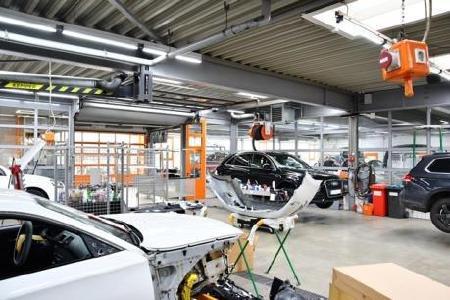 www.as-led.de-Beste Arbeitslicht, normgerecht und fotobiologisch-zertifiziert, für KFZ-Werkstätten und im Karosseriebau
