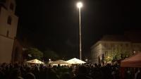Bildunterschrift: silence lights. hat am 21.9.2019 das hellste LED-Flutlicht der Welt auf dem Marktplatz in Groß-Umstadt präsentiert Bildquelle: silence lights. (Fotograf: nkproduction)