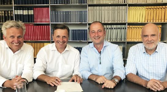 Concardis übernimmt Netzbetreiber Cardtech. V. l. n. r.: Thomas Bruns, COO von Concardis / Dr. Dietrich Gottwald, Geschäftsführer Cardtech / Marcus W. Mosen, CEO von Concardis / Werner Zimmermann, Gesellschafter Cardtech