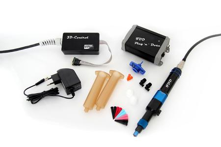 Next to the printhead the kit also includes the matching control and helpful equipment.Das FDD Starter Kit von ViscoTec beinhaltet neben dem Druckkopf auch hilfreiches Zubehör