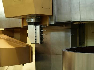 Mehrspindelköpfe setzen bei SKET bis zu fünf Be-festigungsbohrungen in jeweils einem Arbeitsgang