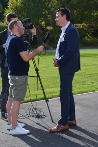 Medi Bayreuth-Headcoach besucht HFO Telecom