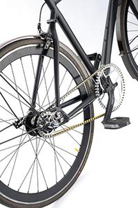 The tooth profile of the CONTI® DRIVE SYSTEM's heavy-duty timing belt ensures maximum jump-over protection on drives for bicycles, pedelecs, and e-bikes (Photo: ContiTech)