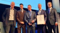 "apsolut gratuliert Phoenix Contact zum Gewinn des BME-Awards ""Excellence in eSolutions"""