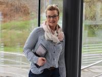 Zeitgleich ging am 1. Juni auch die komplett aktualisierte Internetpräsenz von SELVE live: Christina Reitze (SELVE Online Marketing Managerin) stellte die Highlights der Website vor und skizzierte dabei die vielfältigen Vorteile für Fachpartner sowie auch Endkunden. Foto: SELVE