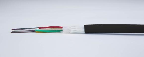 Neu im Sortiment von Telegärtner ist das Außenkabel A-DQ(ZN)B2Y, lieferbar mit vier bis 48 Single- oder Multimodefasern und auf Kabeltrommel.