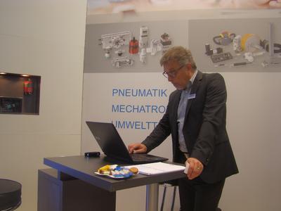 DirectDyk - Michael Neubauer, GF der BIBUS GmbH gibt eine Pressemitteilung frei
