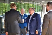 (von links nach rechts) Martin Schneider, CEO Brainforce AG; Charlie Duke, Apollo16; Edward McMullen, US Ambassador