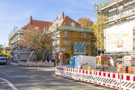 Die Darmstädter bauverein AG modernisiert eine ihrer ältesten Liegenschaften. Rund 50 Millionen Euro sind dafür bis 2021 veranschlagt. Foto: Caparol Farben Lacke Bautenschutz/blitzwerk.de