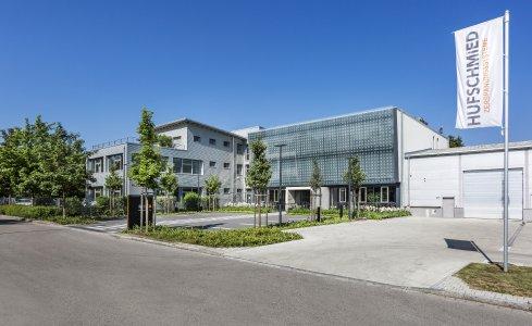 Am 30. September 2021 lädt HufschmiedZerspanungssysteme zum Tag der offenen Tür inBobingen bei Augsburg ein / Bildquelle: Hufschmied Zerspanungssysteme
