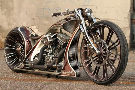 Custom bike from Thunderbike. The motorcycle manufacturer produces many of its milling parts with the CAM suite hyperMILL® from OPEN MIND. Image source: OPEN MIND