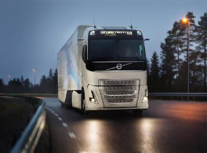 Schätzungen zufolge wird der Hybridantrieb dafür sorgen, dass der Verbrennungsmotor im normalen Fernverkehr bis zu 30 Prozent der Fahrzeit abgeschaltet werden kann, was einer Verbrauchssenkung von 5 bis 10 Prozent entspricht