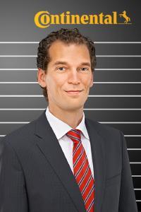 Dr. Boris Mergell, Leiter der Forschung und Entwicklung Pkw-Reifen