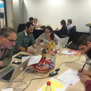 Aus 15 Ideen formten sich in zwei Tagen 7 finale Teams, die ihre Geschäftsidee der Jury präsentierten