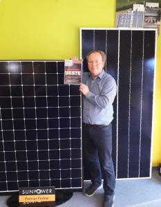 Der stolze Geschäftsführer, der iKratos Solar- und Energietechnik GmbH, Willi Harhammer