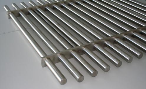 Sonderanfertigung:  Großes Magnetfiltergitter für Einfülltrichter