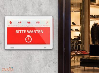 INNES 10 Zoll Smart Display für digitale Zutrittskontrolle mit optionalem Wandhalter