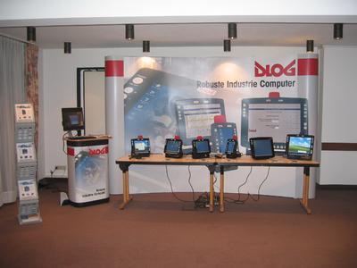 Theorie und Praxis auf der DLoG University rund um DLoG Industrie Computer und Terminals sowie deren zielgruppenspezifischer Vermarktung.