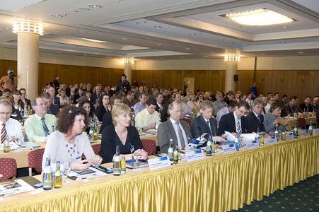Der iGZ-Landesbeauftragte Armin Zeller (l.) und iGZ-Hauptgeschäftsführer RA Werner Stolz dankten der Ministerin für Arbeit und Soziales, Dr. Monika Stolz, für ihre Rede.