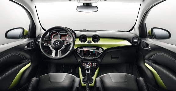 The highly scratch-resistant surface material TEPEO 2® Protect used on dashboards evade pointed objects and let them simply slide off. (Photo: ContiTech)