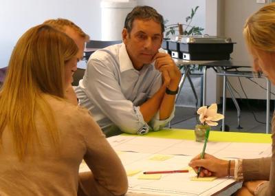 Teilnehmerinnen und Teilnehmer entwickeln im Workshop innovative Lösungen