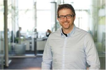 Christopher Loos wird Standortleiter von netzkern in Hamburg