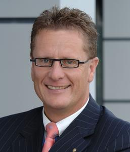 Manfred Schmitz, Chef der Axima Deutschland