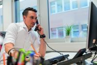 Michael Gihr ist Leiter Marketing und Kommunikation der davero dialog GmbH und spricht über die Kluft zwischen Qualität und Preis.