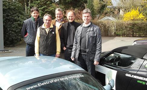Die Mitglieder des BSM Vorstandes trafen sich am 1.4. in Hannover. Zwei von ihnen waren mit ihren TESLA Roadstern elektrisch angereist.