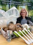 TECNARO project manager Erna Muks is developing bioplastic ARBOBLEND®-materials based on fungal waste in the Funguschain project for film and injection molding applications