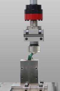 Hip prosthesis testing with a servo-hydraulic Zwick testing machine