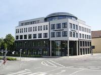 Das Bürogebäude erstrahlte in vollem Glanz