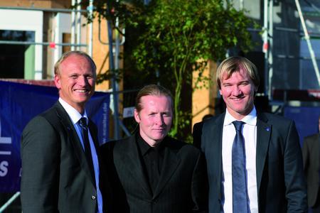 Von links: Christian Skala, Vorstandsvorsitzender SCALTEL AG, Joey Kelly, Künstler und Extremsportler, Joachim Skala, Vorstand SCALTEL AG nach der Fachvortragsveranstaltung im Rahmen der Feierlichkeiten zum 20-jährigen Firmenjubiläum