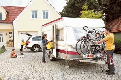 Mit den Tipps von Reifenhersteller Goodyear können Wohnwagen-Urlauber schon bei Abfahrt zum Ferienziel relaxen. (Bild: © AL-KO Kober AG)
