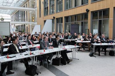 """Rund hundert Teilnehmer waren der Einladung von 3M Health Information Systems zur Fachtagung """"Fallkostenkalkulation"""" gefolgt"""