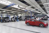 Bei den vielen Mercedes-Benz Modellen ist auch beim Autohaus Seeger der schnelle Zugriff die logistische Herausforderung im Teiledienst.