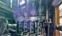 Vierfach-Bearbeitung von Kraftstoff-Verteilerleisten mit Tieflochbohrern. Die Besonderheit der Lösung sind die gegenläufig rotierenden Spannvorrichtungen, um den Verlauf des Bohrers zu minimieren. (Foto: ELHA)